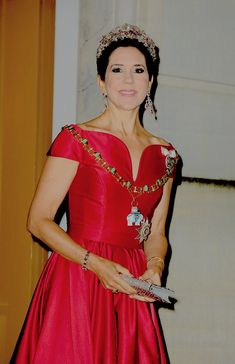 Crown Princess Mary stuns at this year's New Years Reception, wearing an amazing red gown and her matching Ruby Parure Tiara. || January 1st, 2018