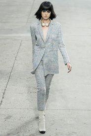 Chanel, Défilé Printemps-été 2014 - Vogue.fr