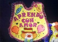 Resultado de imagen para modelos de pancartas dia de la educacion inicial Birthday Cake, Letters, Amor, Classroom Setting, Christmas Wreaths, Recycled Materials, Boy's Day, Birthday Cards, Ornaments