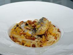 Ma Cuisine et Vous | Bucatinis aux sardines |  Préparation: 30  minutes      Cuisson:   30  minutes      Ingrédients  (pour 4 personnes):    12 filets de  sardines sans arêtes    5 fi...