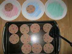 Book: If you give a mouse a cookie, good sorting idea by color or numbers on plate and chips on cookies.....