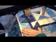 Machine quilting a loop de loop design with Christine Baker   Fairfield ...
