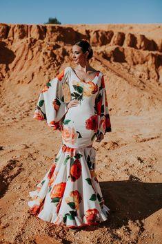 Trajes de flamenca 2018. Colección Tierra Flamenco Skirt, Flamenco Dresses, Anniversary Dress, African Fashion Dresses, Spring Dresses, Couture Fashion, Blouse Designs, Cute Dresses, Trendy Outfits