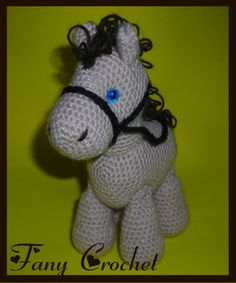 Caballo s, muñecos a crochet, fany crochet. Crochet Horse, Crochet Animal Amigurumi, Crochet Unicorn, Crochet Amigurumi Free Patterns, Love Crochet, Crochet For Kids, Crochet Animals, Knit Crochet, Knitting Patterns