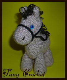 Caballo Amigurumi - Patrón Gratis en Español aquí: http://fany-crochet.blogspot.com.ar/search/label/caballito