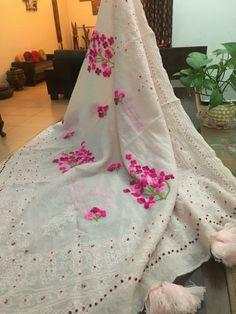 Stall for winters Punjabi Salwar Suits, Pakistani Dresses, Indian Dresses, Indian Outfits, Indian Beauty Saree, Indian Sarees, Silk Sarees, Kurta Designs, Blouse Designs