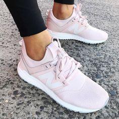 "5,379 Me gusta, 126 comentarios - STYLERUNNER (@stylerunner) en Instagram: ""The sneakers that belong in your shoedrobe - The New Balance 247 Shop now at Stylerunner.com…"""