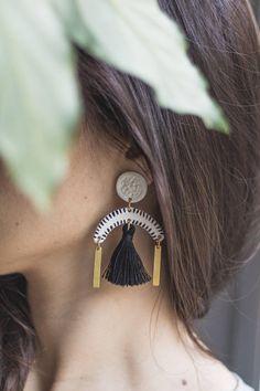 Pin Y Statement tassel earring Lightweight handcrafted &