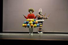 Ballet Triádico de Oskar Schlemmer (Bauhaus) by toytoyfactory, via Flickr