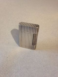 Briquet De Collection - Fuel Lighter - Modèle Van Cleef & Arpels - Premier Modèle Circa 1940 - Photo 2 -