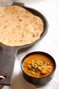 potato peas kurma – south indian style mildly spiced potato peas kurma curry. vegan recipe.  #vegan #curry #Indianfood #peas