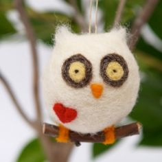 Needle Felted Christmas Ornament : Owl : www.theMagicOnions.com/shop/.  TERRIBLY wonderful.  And not scary - I mean, making-wise.