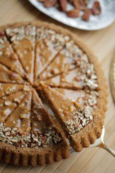 Dutch Recipes, Baking Recipes, Sweet Recipes, Cake Recipes, Good Food, Yummy Food, Pie Dessert, Food Cakes, Piece Of Cakes