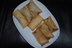 Recipe in Dutch) Indonesian Cuisine, Indonesian Recipes, National Dish, Good Food, Yummy Food, Asian Recipes, Ethnic Recipes, Spring Rolls, Party Snacks