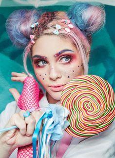 Resultado de imagem para harajuku editorial de moda Harajuku, Portfolio, Candy Colors, Portrait Photography, Kawaii, Carnival, Face, Painting, Photoshoot Ideas