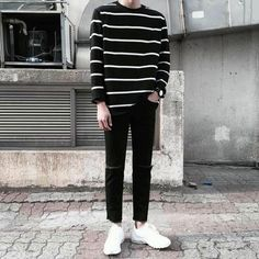 Korean Fashion Trends you can Steal – Designer Fashion Tips Korean Fashion Men, Korea Fashion, Fashion 2018, Asian Fashion, Korean Men, Cool Outfits, Casual Outfits, Fashion Outfits, Rock Style Men