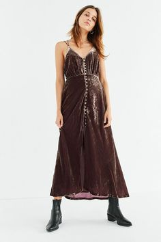 76a7391ef6a2 Slide View  6  UO Lady Lava Covered Button-Down Velvet Midi Dress Velvet