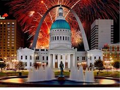 Saint Louis Arch, St Louis Mo, Independence Day Fireworks, 4th Of July Fireworks, Happy Independence, July 4th, Great Places, Places To Go, Beautiful Places