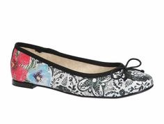 "Desigual Gorgeous Ballerinas ""Missia"", Gorgeous flats in black & white with floral print. Faber Castell, Design Shop, Ballerinas, Shops, Floral Prints, Flats, Black And White, Flat Shoes, Shoes Women"