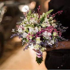 Buquê lindo da @luxonatural ���� #buquedeflores #buquedenoiva #buquesdenoivaartesanais #ensaioexterno #casamentocivil #casamento #wedding #weddingday #weddingtime #weddingdecor #weddingideas #casandonoceara  #casamentosemgrana #casandocomestilo #casandoemfortaleza #noivos #noivinhas #noivasluxo #noivaslisas #bride #bridelife #bridestory #inlove #savethedate #projetocasamento #projetonoivei #noivas2017 #noivas2018 #inspiração #flowers…