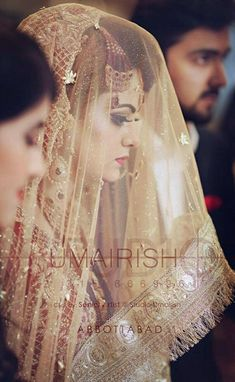 Wedding Tips To Make Your Special Day Even Better Bridal Dupatta, Bridal Mehndi Dresses, Pakistani Wedding Outfits, Wedding Dresses For Girls, Bridal Outfits, Bridal Poses, Bridal Photoshoot, Bridal Shoot, Pakistan Wedding