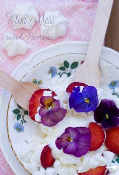 #ingredients 6 Most Popular Edible Flowers + Recipe: Etton Mess, Roses, Carnations, Nasturtiums, Hibiscus, Marigolds