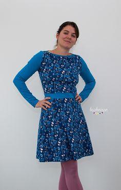 Es ist mal wieder Zeit .... Zeit für Kleider!!   Zwei Ellas hab ich mir genäht und das Modell,   das ich euch heute zeige ist richtig allta...