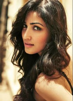 According to Bollywood updates, Yami Gautam, who made her successful debut with Vicky Donor, will be seen sharing screen space with Varun Dhawan in his upcoming next film, Badlapur. Beautiful Bollywood Actress, Most Beautiful Indian Actress, Beautiful Actresses, Yami Gautam Images, Pritty Girls, Beautiful Women Over 50, Bollywood Designer Sarees, Indian Girls Images, Beauty Full Girl