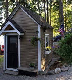 bunkhouse shed - A 1950s tool shed was converted into a tiny bunkhouse for grandchildren and guests - Atticmag