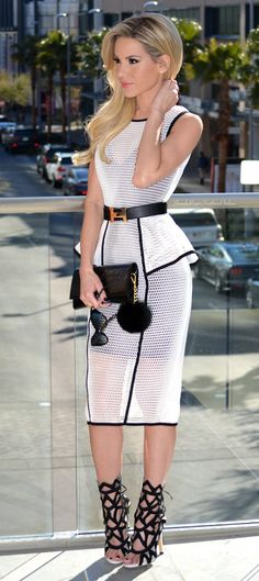 Dress – Forever Unique Belt – Hermes Sunglasses – Tom Ford Clutch – YSL Heels – Jessica Buurman