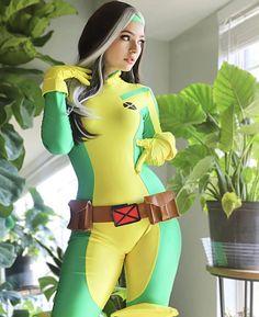 Rogue #cosplay Rogue Cosplay, Xmen Cosplay, Top Cosplay, Best Cosplay, Cosplay Girls, Cosplay Costumes, Comic Book Girl, Girl Gifs, Rogues