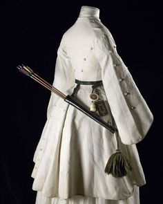 1850s-1860s archery outfit. Look at the cut little pocket diary hanging from her belt!
