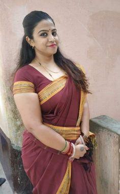 Cute Beauty, Beauty Full Girl, Beauty Women, Beautiful Women Over 40, Beautiful Women Pictures, Muslim Women Fashion, Curvy Women Fashion, Desi Girl Image, Indian Beauty Saree