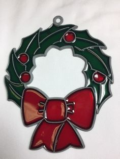 Holly Wreath with Bow Faux Stained Glass Suncatcher Christmas Suncatchers | Home & Garden, Home Décor, Suncatchers & Mobiles | eBay!