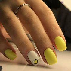Heart Nail Designs, Nail Polish Designs, Nail Polish Colors, Yellow Nails Design, Yellow Nail Art, Minimalist Nails, Stylish Nails, Trendy Nails, Cute Acrylic Nails