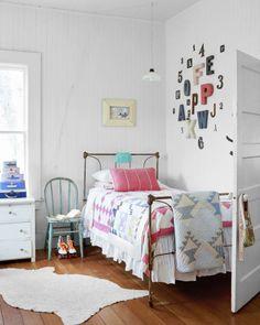 Fun room decor craft ideas diy girls bedroom cute decorating for Cute Girls Bedrooms, Cute Bedroom Ideas, Teenage Girl Bedrooms, Girl Bedroom Designs, Pretty Bedroom, Room Decor Bedroom, Kids Bedroom, Bed Room, Kids Rooms