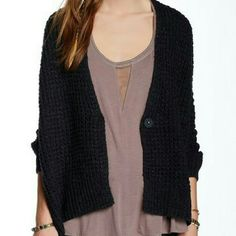 Free People Chunky Sweater Brand new with tags,  large and comfy. Perfect for any season- great campfire sweater for summer nights.  Offers welcomed Free People Sweaters