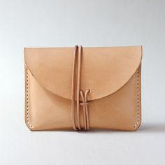 100% vegetal Natural cosida a mano curtida cuero por AnneSoye - big black handbags, purses in style, travel purse *sponsored https://www.pinterest.com/purses_handbags/ https://www.pinterest.com/explore/handbag/ https://www.pinterest.com/purses_handbags/handbag-brands/ http://www.qvc.com/handbags-&-luggage/_/N-uoq0/c.html
