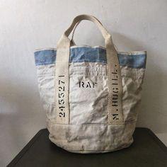 いいね!360件、コメント5件 ― IND Canvas Bagsさん(@indbnp)のInstagramアカウント: 「40's or 50's RAF ( Royal Air Force ) vintage bucket style canvas bag. Original royal blue line on…」