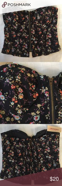 American Rag tube top Beautiful floral zipped up tube top. Never been worn! American Rag Tops Tank Tops