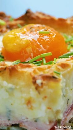 Who said shepherd's pie was just for dinner? This classic dish gets a breakfast upgrade. # Food and Drink dinner videos Breakfast Shepherd's Pie Brunch Recipes, Meat Recipes, Dinner Recipes, Cooking Recipes, Crowd Recipes, Cooking Videos, Cooking Classes, Drink Recipes, Breakfast And Brunch