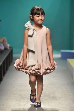 65 Trendy Fashion Show 2018 Kids Kids Fashion Girl fashion Kids Show trendy Black Kids Fashion, Kids Fashion Show, Little Girl Fashion, Trendy Fashion, Fashion Show Dresses, Fashion Children, Boy Fashion, Fashion 2018, Fashion Clothes