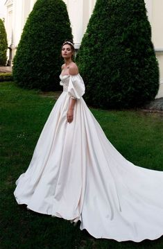 Off the shoulder sweetheart neckline ball gown a line wedding dress chapel train. - Off the shoulder sweetheart neckline ball gown a line wedding dress chapel train… – - Dresses Elegant, Vintage Dresses, Beautiful Dresses, Amazing Dresses, Dream Wedding Dresses, Bridal Dresses, Natural Wedding Dresses, Corset Wedding Dresses, Colored Wedding Gowns