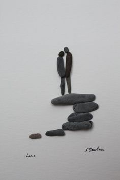 It's inspiring to see how stones can be used to create such a warm and romantic scene. Simple yet so clever. #Stone Art