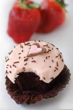Something sweet this Valentines from Crave!  #valentines #valentinesday #vday #happyvalentinesday #happyvday #holidays #holidayplanning #hearts #holidaybaking #holidaycrafts #valentinesdaycrafts #valentinesdaybaking www.gmichaelsalon.com