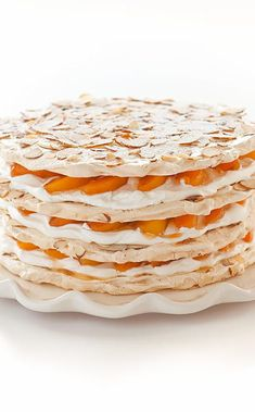 Apricot-Almond Meringue Cake: This spectacular pavlova-inspired cake sandwiches fresh apricots and whipped cream between multiple layers of crisp, nutty meringue. French Desserts, Just Desserts, Fruit Recipes, Dessert Recipes, Almond Fruit, Apricot Cake, Apricot Recipes, Pavlova Recipe, Meringue Cake