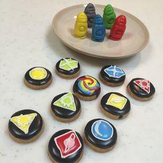 ゲームの駒とコイン Icing, Coasters, Sugar, Cookies, Desserts, Food, Crack Crackers, Tailgate Desserts, Deserts