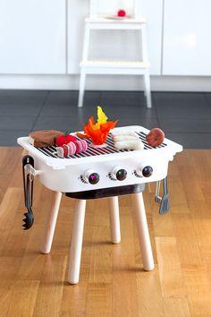 Excitement, fun and summer fun at IKEA Sindelfingen - DIY Crafts for Kids Toddler Birthday Gifts, Birthday Diy, Toddler Gifts, Gifts For Kids, Grill Diy, Box Ikea, Childrens Kitchens, Ikea Stool, Kids Corner