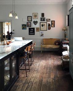 Pearl Lowe's kitchen care of Devol Home Decor Kitchen, New Kitchen, Kitchen Dining, Kitchen Ideas, Dining Room, Kitchen Island, Room Interior, Interior Design Living Room, Interior Decorating