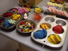 using old muffin tins for craft storage